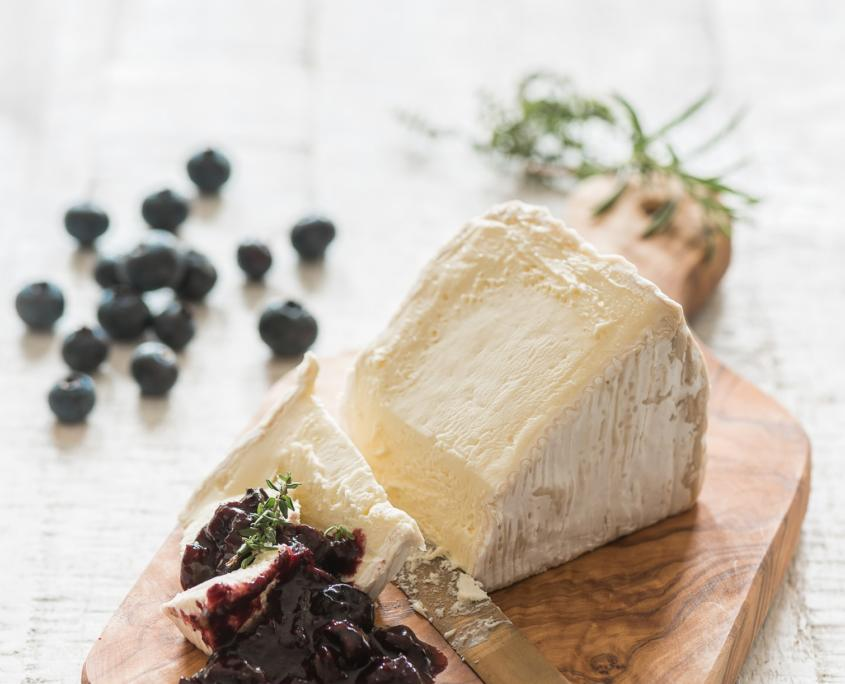 Käse-Blaubeeren-Chutney-Light-Food-Foodfotografie-Foodfoto-Foodfotograf